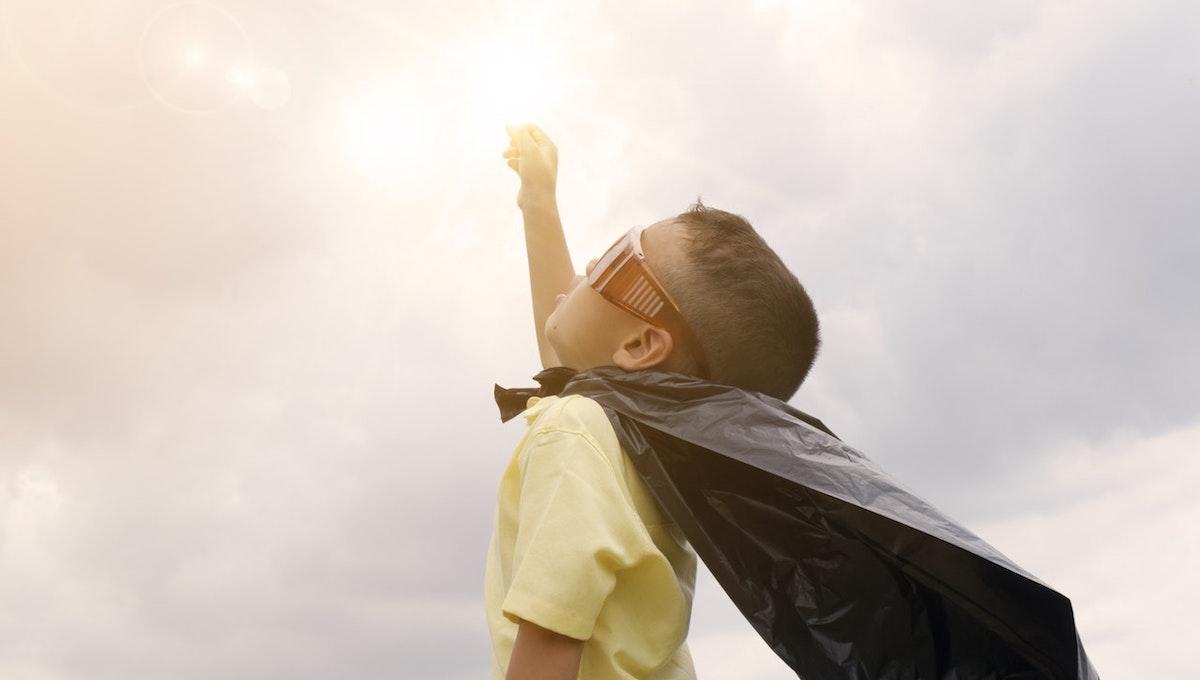 自信を失った子どもを笑顔にするには? 感情体験とアプリの紹介